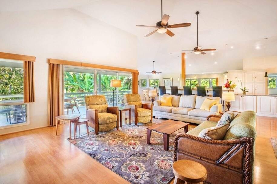 10 kaw-living-room
