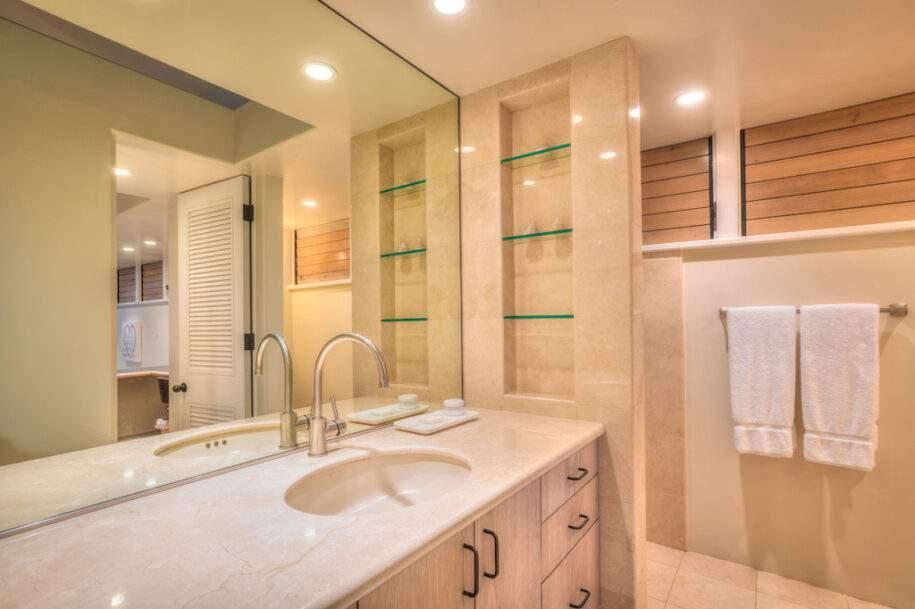 10 ohana studio bath