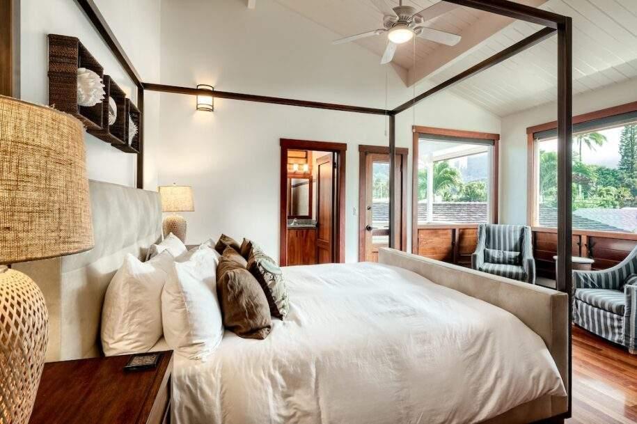 15 upstairs bedroom