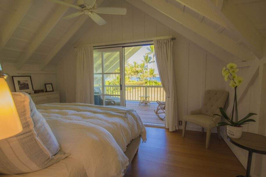 17 Faye master-bed-sunny