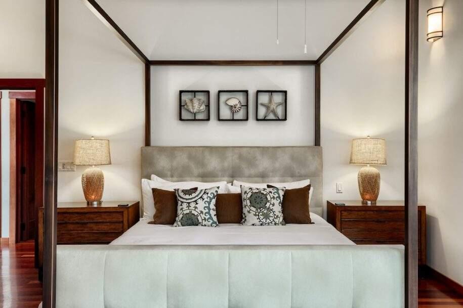 17 upstairs bedroom