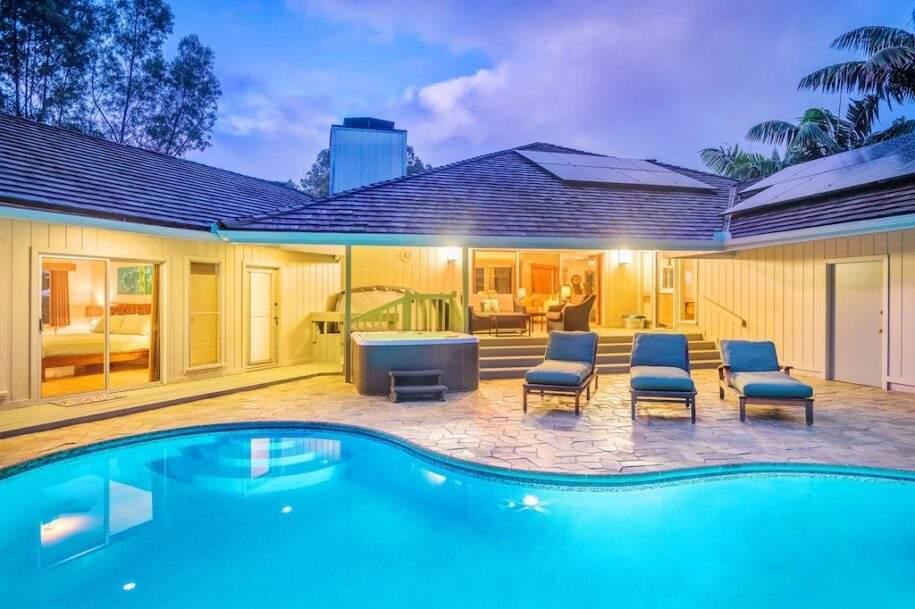 2 pool hot tub