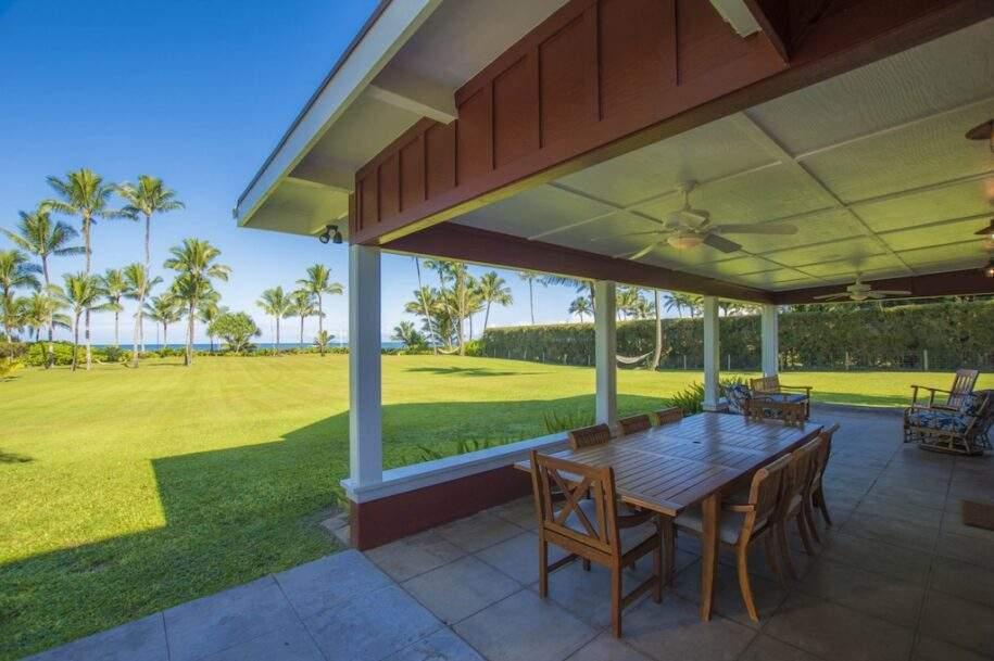 3 Faye Estate Downstairs Lanai Bay View