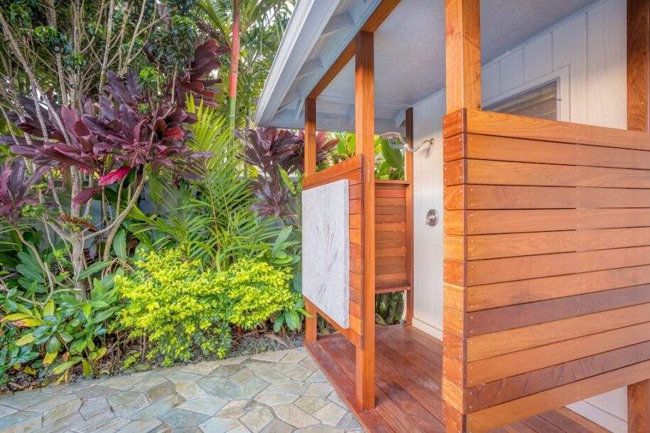 30 kaw-outdoor-shower