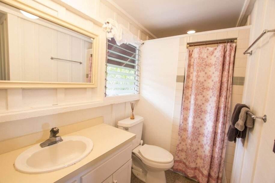 46 Faye guest-house-bath