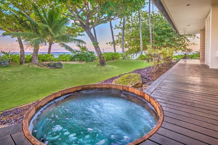 6 estate hot tub view