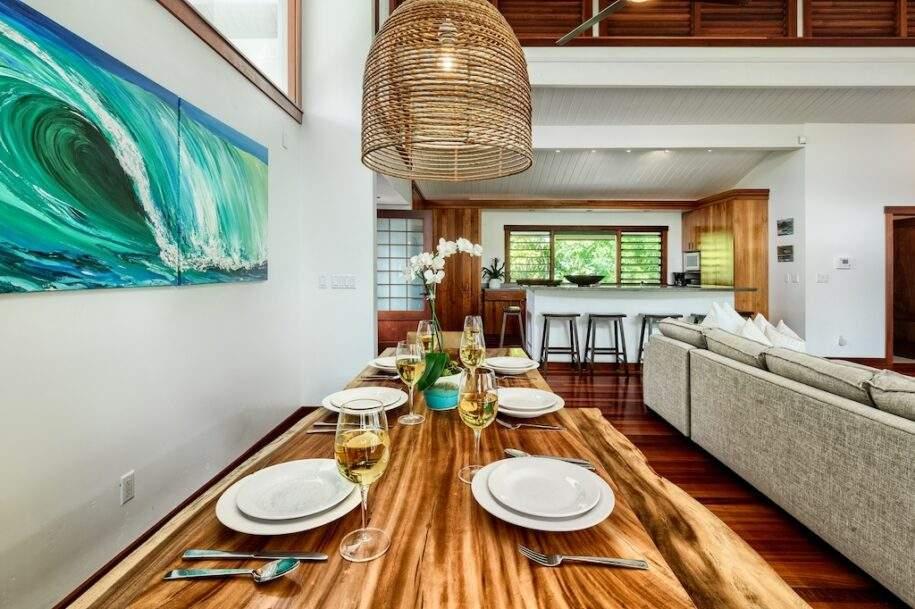 7 upstairs dining kitchen